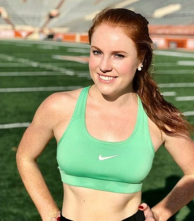 Fit Girls In Sports Bras (44 pics)