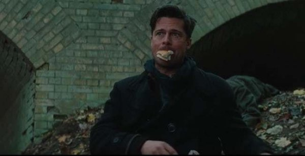 Brad Pitt Eating (23 pics)