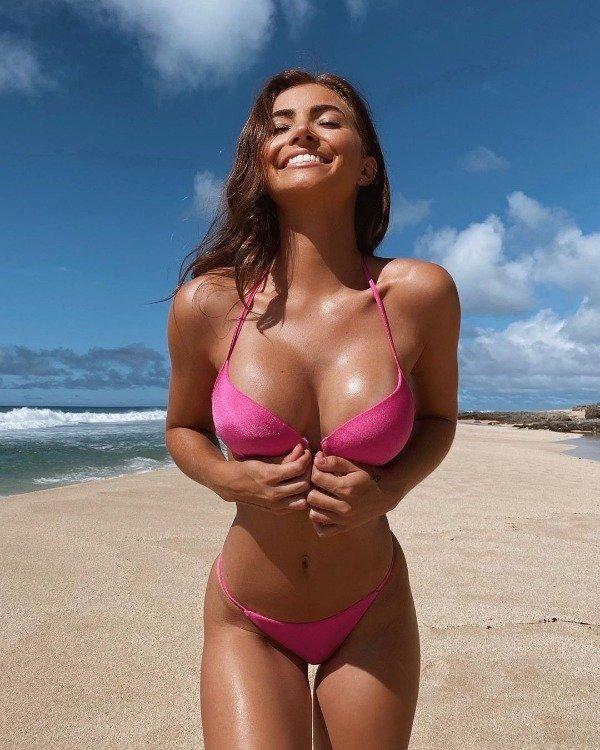 Hot Bikini Girls (31 pics)