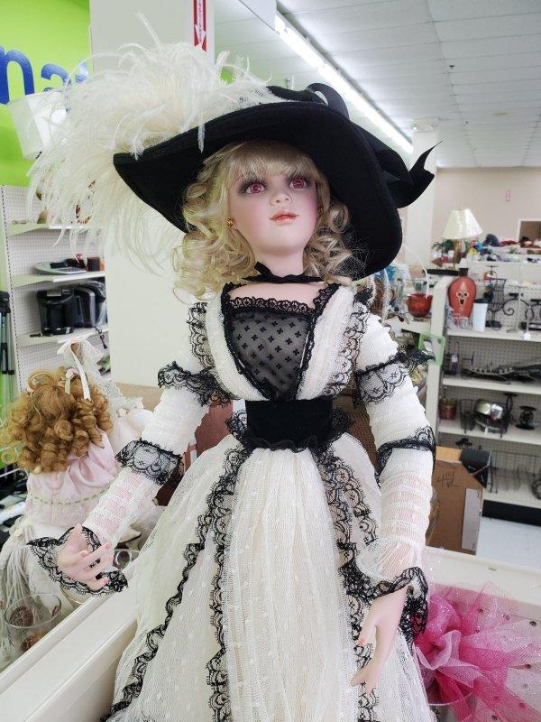 Thrift Shop Treasures (47 pics)