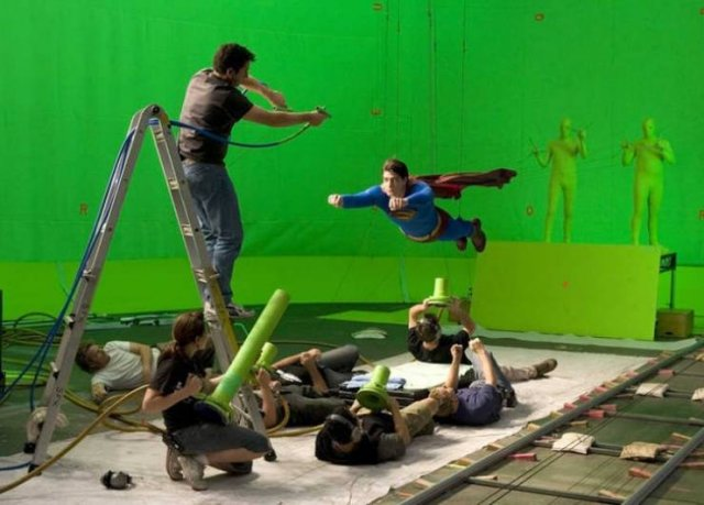 Behind-The-Scenes Photos From Famous Movies (12 pics)