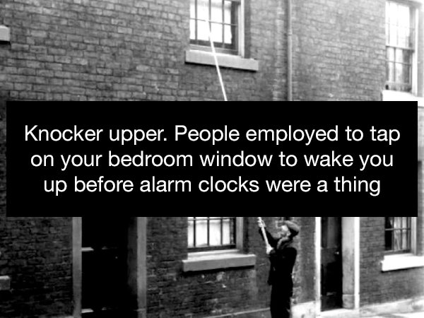 These Jobs Don't Exist Anymore (17 pics)