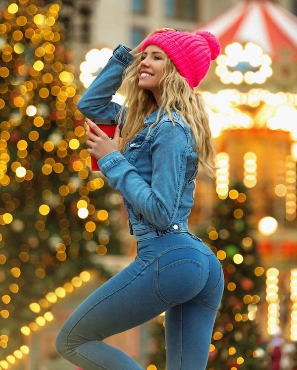 Girls In Tight Jeans (30 pics)