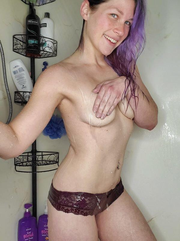 Handbra Beauties (34 pics)