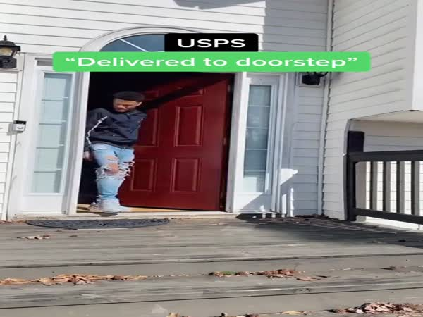 How Shipping Carriers Deliver Your Package
