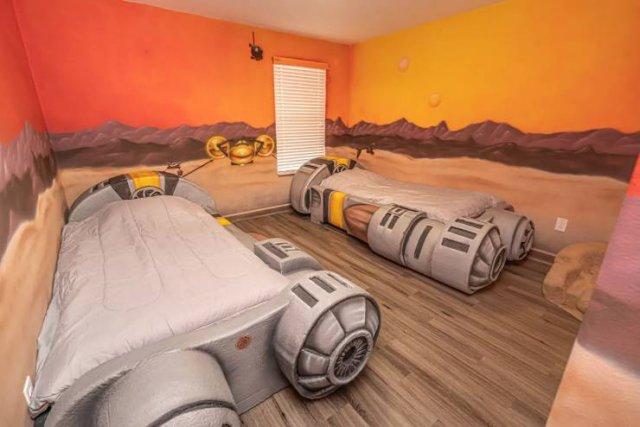 """""""Star Wars"""" Villa (32 pics)"""