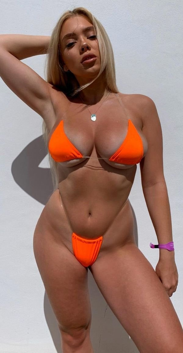 Beauties With Tan Lines (35 pics)
