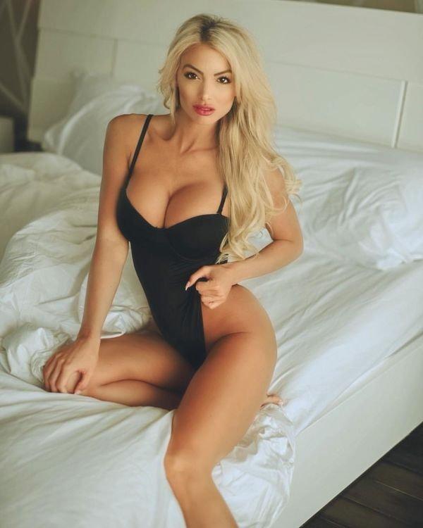 Beautiful Girls (37 pics)