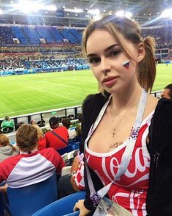 Hot Female Fans (30 pics)