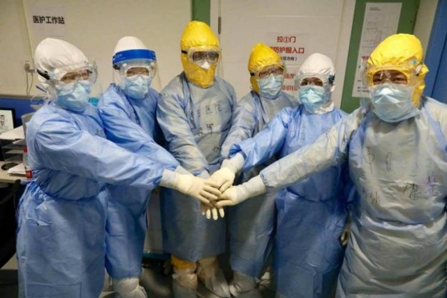 China Built A Coronavirus Hospital In Ten Days (26 pics)