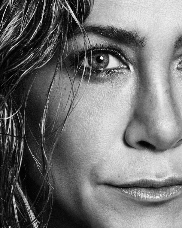 Jennifer Aniston Is 51 Years Old (26 pics)