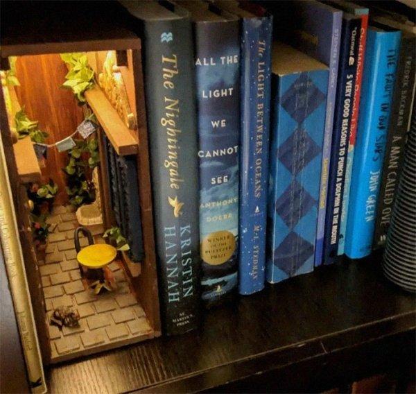Incredible Booknooks (23 pics)