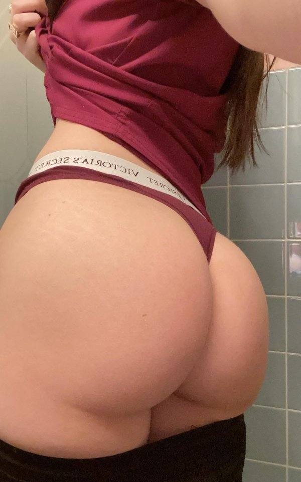 Perfect Hip:Waist Ratios (38 pics)