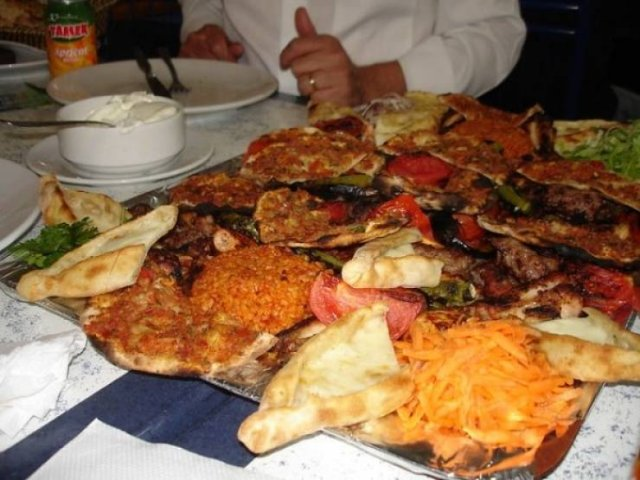 Eating Around The World: Things You Need To Know (17 pics)