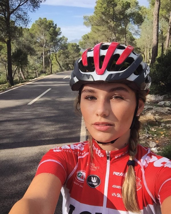 Pro Cyclist Puck Moonen Is Going To Motivate You (31 pics)