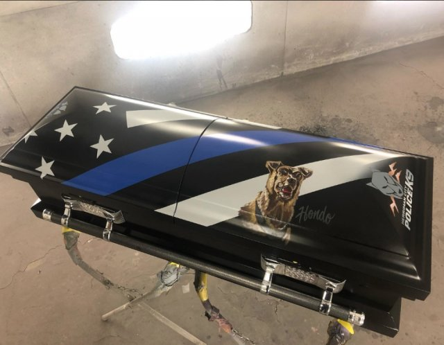 Motorcycle Artist Customized Casket For A Killed Police K-9 (13 pics)