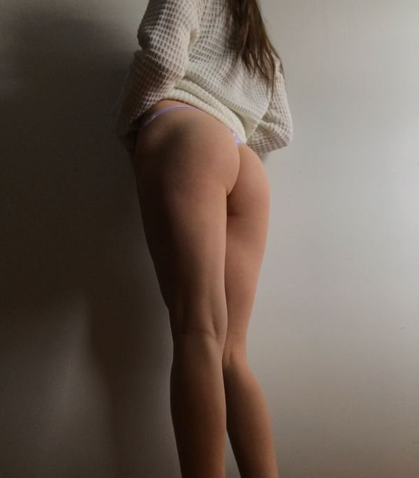 Girls In Thongs (56 pics)