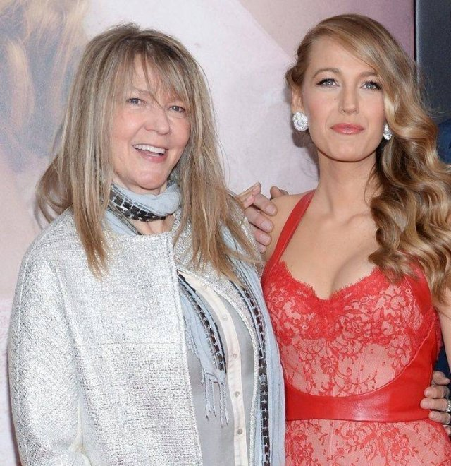 Celebrities With Their Moms (22 pics)