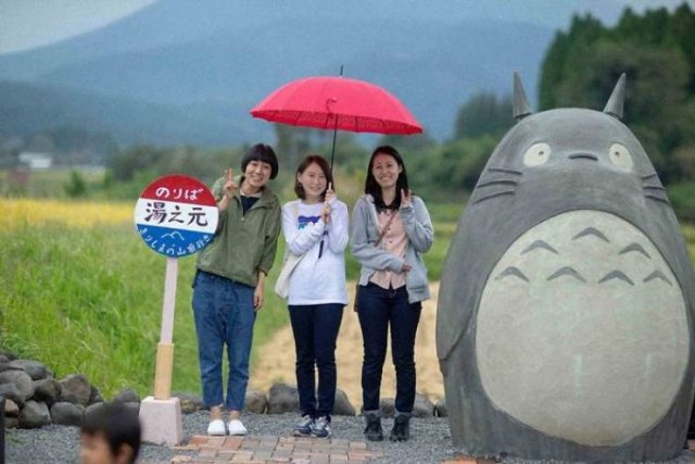 Japanese Elderly Couple Created A Real-Life Totoro Bus Stop (31 pics)