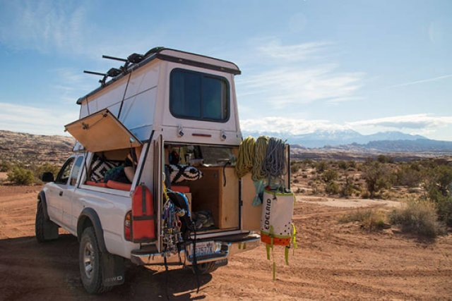 Couple Turned A Car Into Mobile Home For Travelling (15 pics)