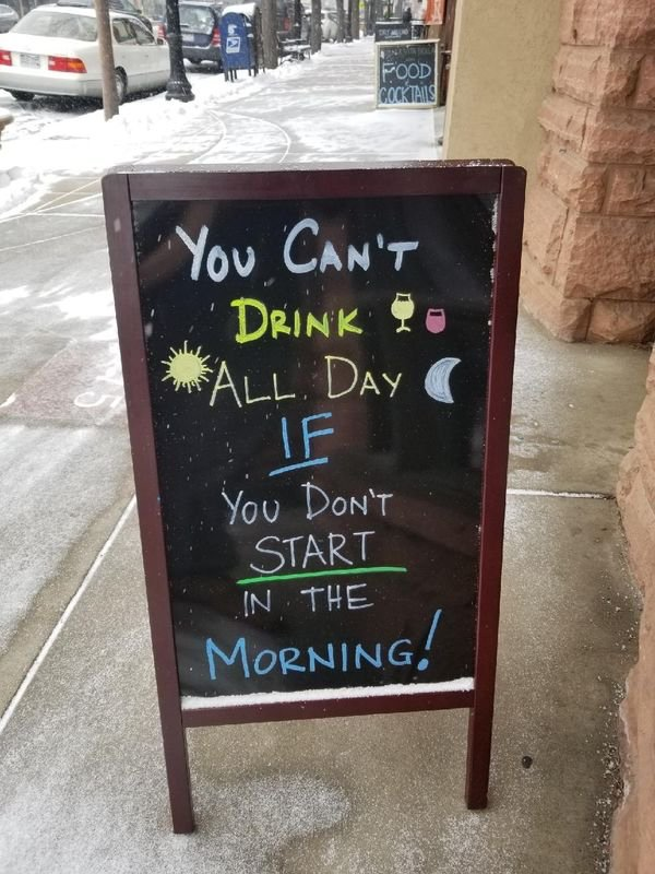Day Drinking Memes (40 pics)