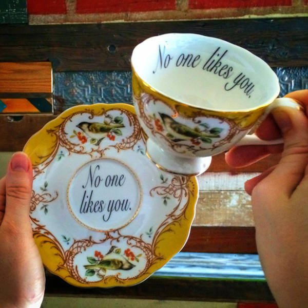Tea Cups For Perfect Insults (20 pics)
