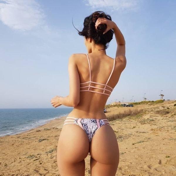 Hot Girls (39 pics)