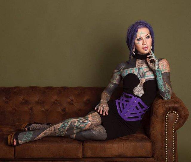 This Girl Has So Many Tattoos (21 pics)
