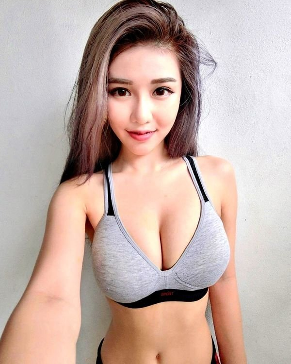 Asian Beauties (52 pics)