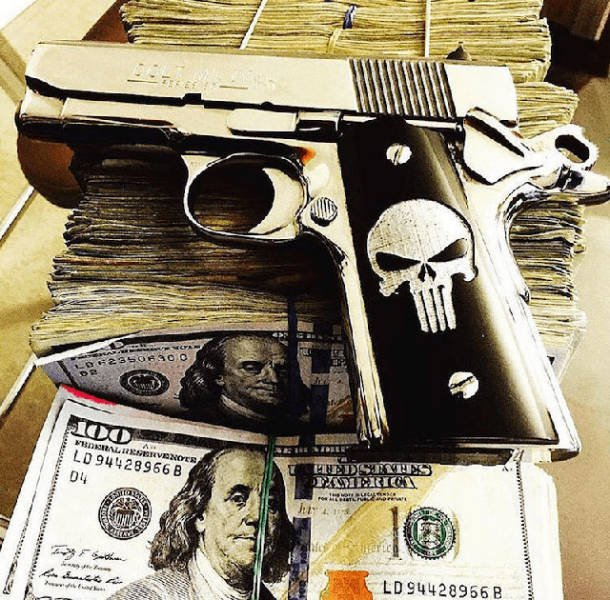 Mexican Drug Cartel Members Wealth Photos (32 pics)