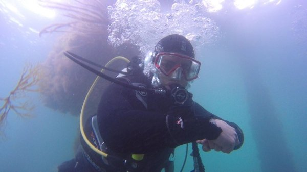 Former Submariner Shares Sanity Tips During Isolation (12 pics)