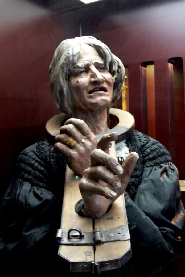 Scary Medieval Torture Tools (14 pics)