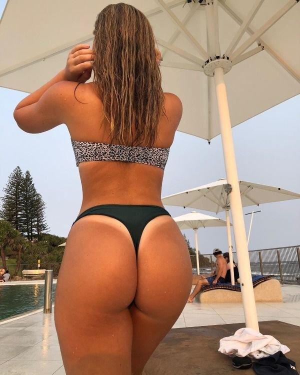 Girls With Tan Lines (40 pics)