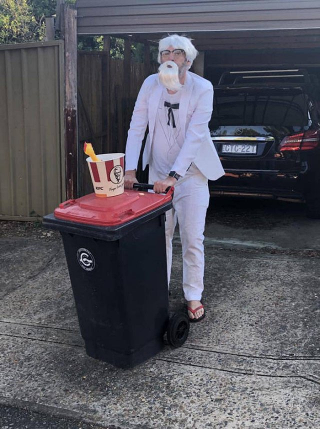 Australians Take Part In Bin Challenge (29 pics)