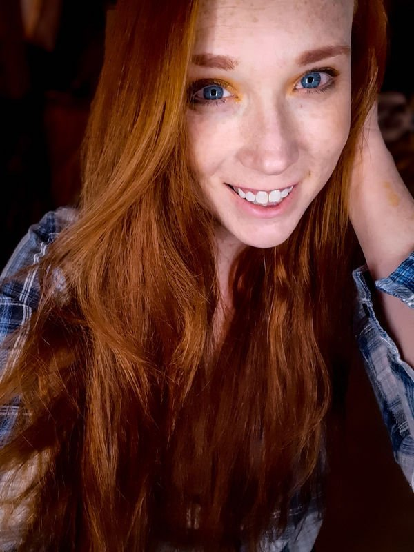 Girls In Flannel (48 pics)