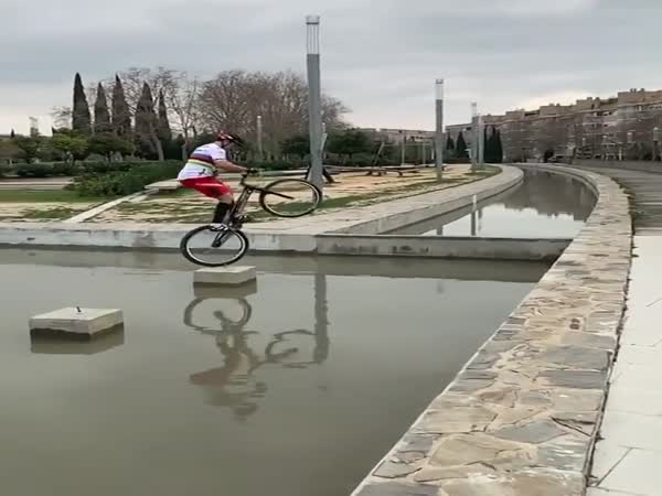 Amazing Bicycle Stunt Performance