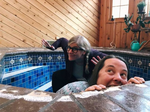 Couple Discovered A Bath Under Their House (12 pics)