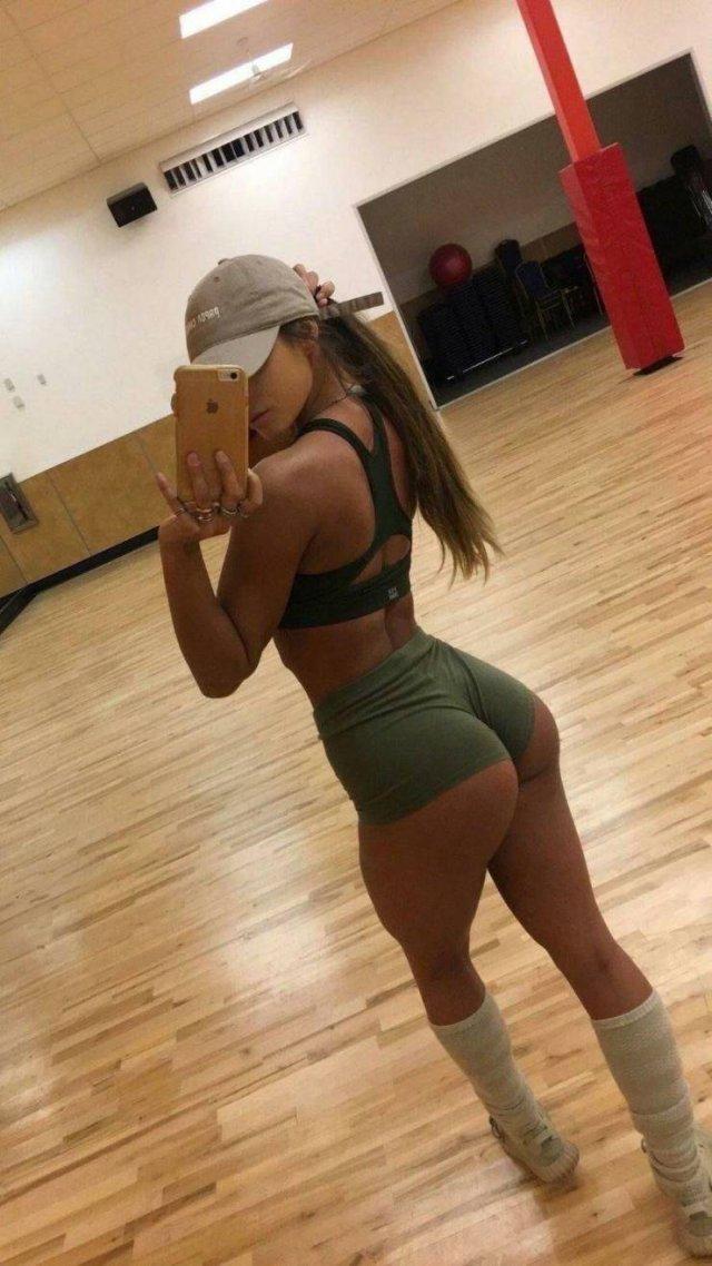 Sporty Girls (54 pics)