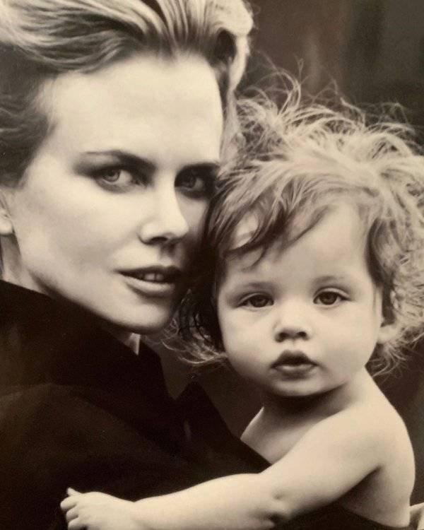 Young Celebrity Photos (25 pics)