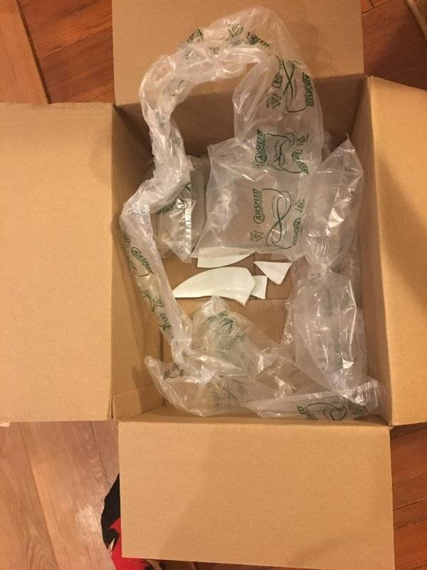 Delivery And Packaging Gone Wrong (30 pics)