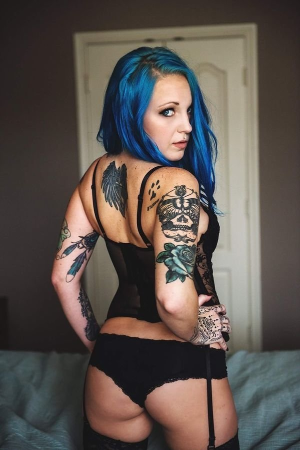Girls With Dyed Hair (39 pics)