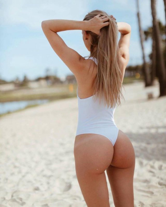 Girls With Tan Lines (49 pics)