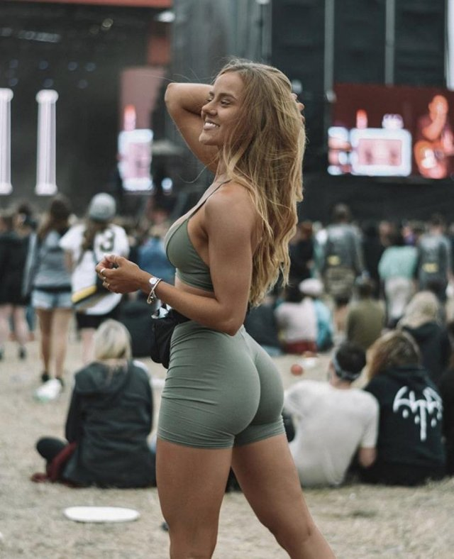 Festival Girls (36 pics)