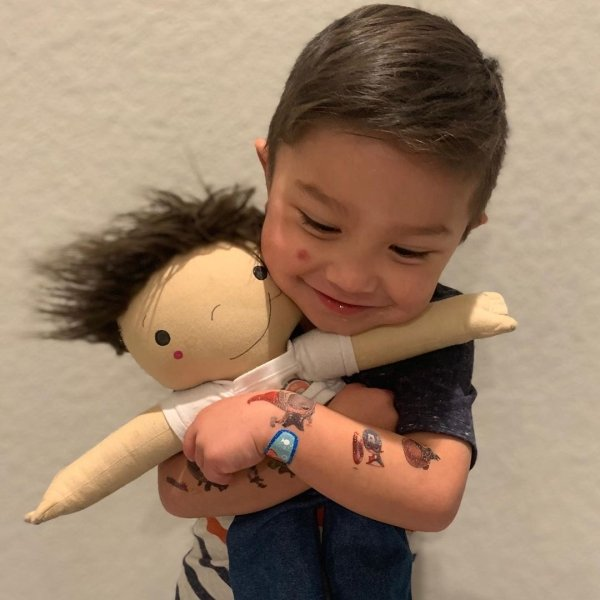 This Woman Creates Custom Dolls For Disabled Children (36 pics)