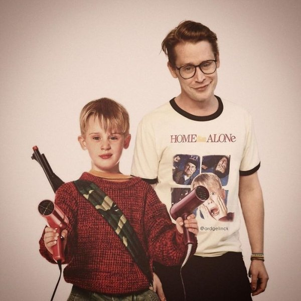Celebrities Posing With Their Younger Selves (41 pics)