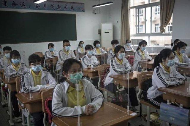 Quarantine Loosening In Different Countries (32 pics)