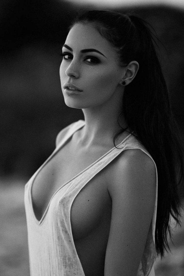 Girls In White (57 pics)