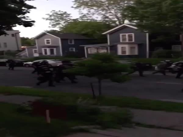 Minneapolis Police Shooting Bystanders With Paintballs