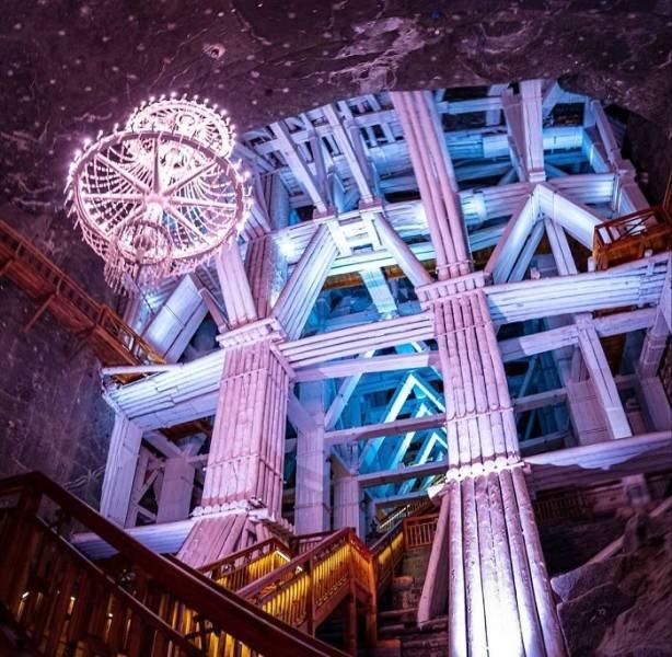 Amazing Polish Salt Mine (30 pics)