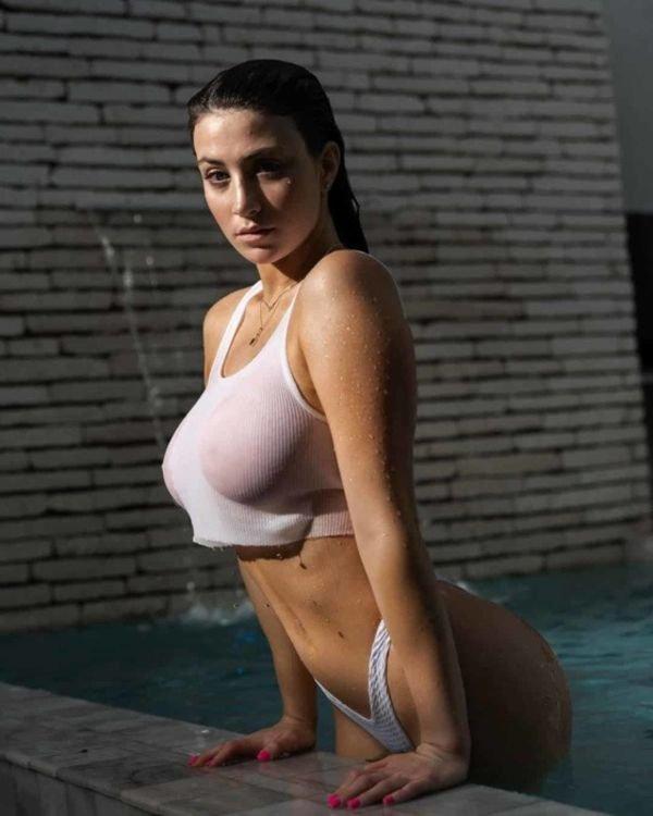 Wet Girls (73 pics)